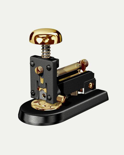 [www.elcasco1920.com][713]stapler-desk-m-1-gold-23kt-and-black-1024x1024