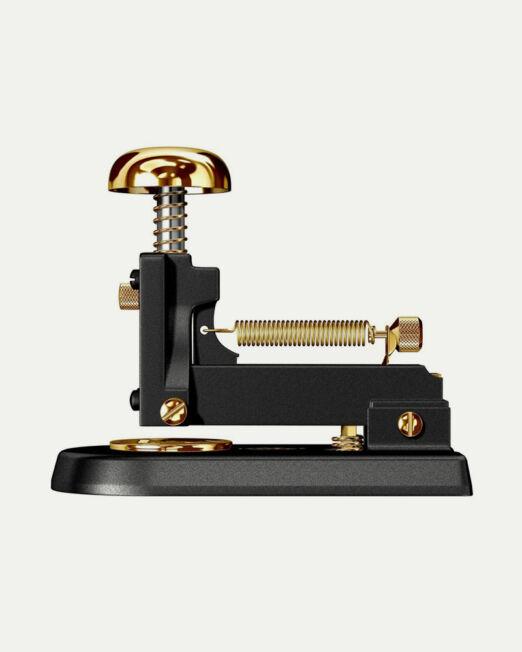 [www.elcasco1920.com][81]stapler-desk-m-1-gold-23kt-and-black_5_-1024x1024